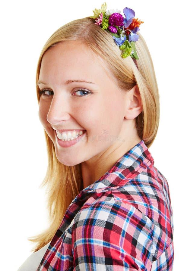 Framsida av den lyckliga le kvinnan royaltyfria bilder