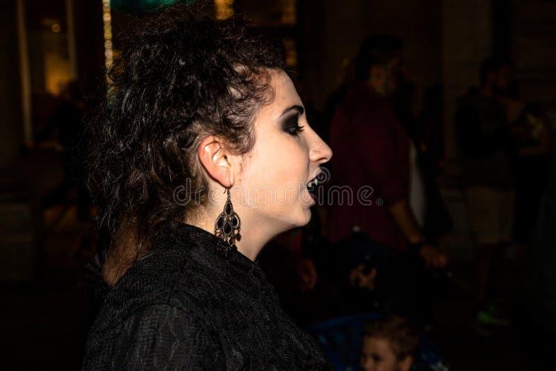 Framsida av vampyren royaltyfria foton