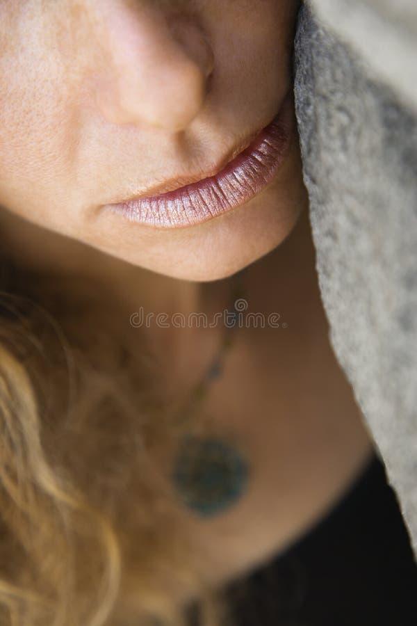 framsidakvinnligrock royaltyfri fotografi