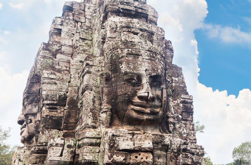 Framsidor av den Bayon templet i Angkor Thom, Siemreap, Cambodja arkivbild
