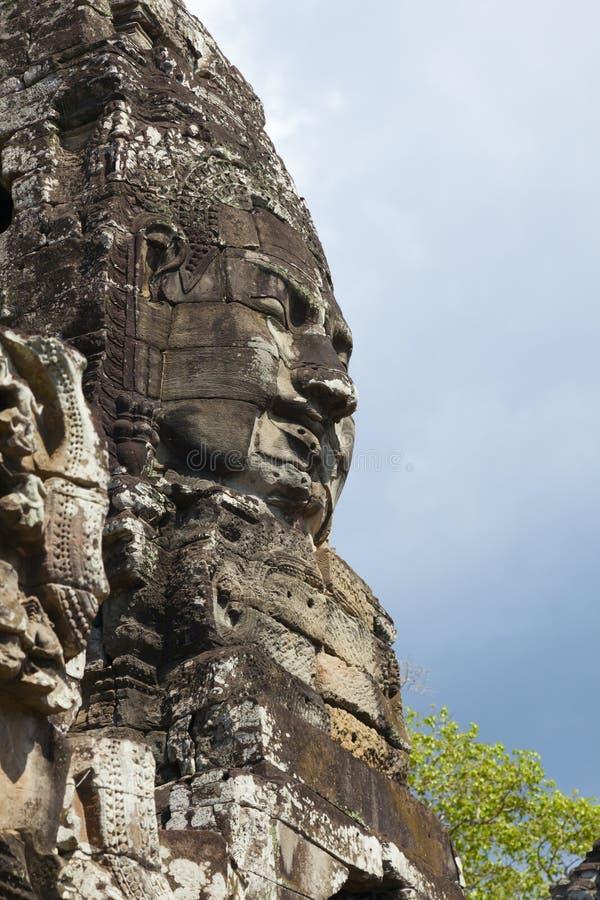 Framsidor av det Bayon tempelet arkivfoto