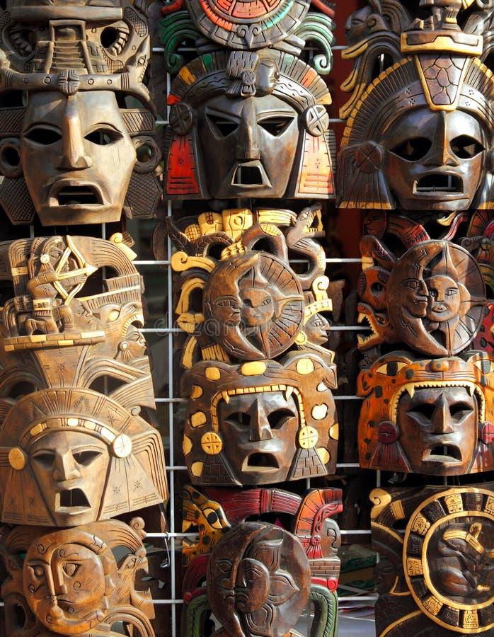 framsidor handcrafted mexikanskt wood trä för maskering arkivfoto