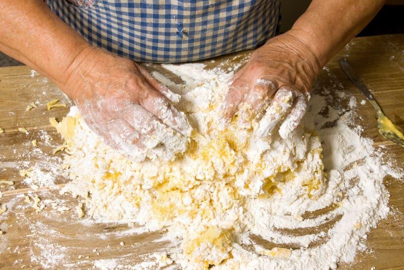 framställning av pasta royaltyfria foton