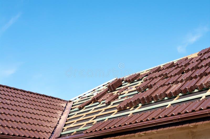 framställning av taket arkivbild