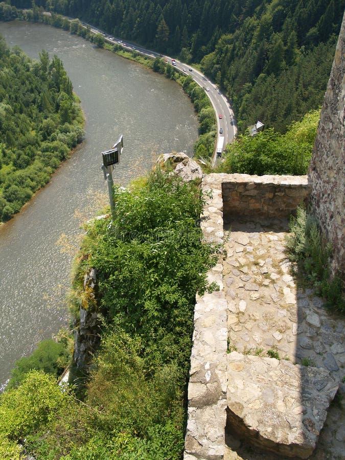 Framtidsutsikt från slotten av Strecno royaltyfria bilder