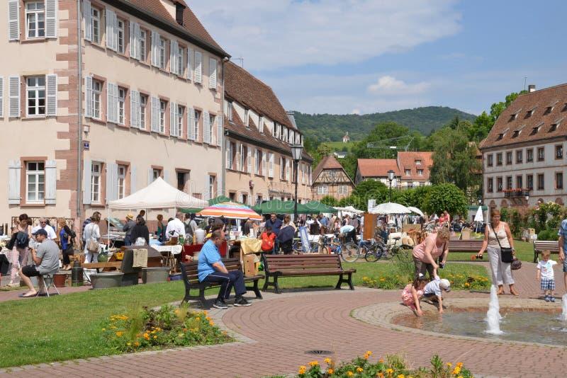 França, a cidade pitoresca de Wissembourg em Bas Rhin imagens de stock