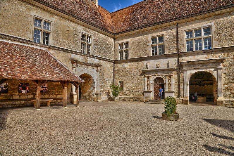 França, o castelo pitoresco de Le Clos de Vougeot em Bourgogn imagem de stock royalty free