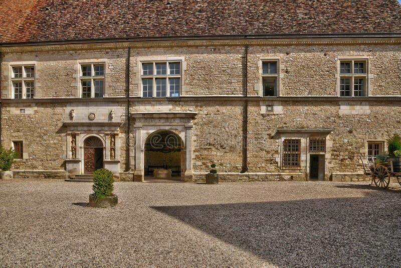 França, o castelo pitoresco de Le Clos de Vougeot em Bourgogn fotos de stock royalty free