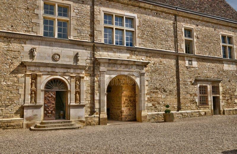 França, o castelo pitoresco de Le Clos de Vougeot em Bourgogn foto de stock