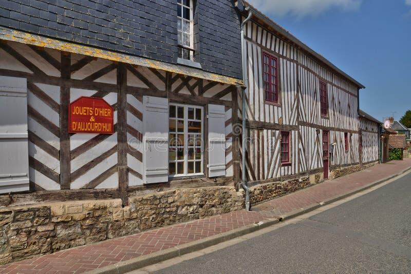 França, vila pitoresca de en Auge de Beuvron em Normandy imagem de stock royalty free