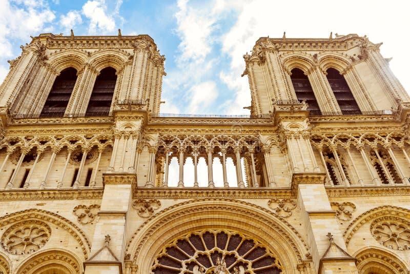 Français de Notre-Dame de Paris pour photos stock