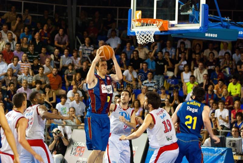 Fran Vazquez gioca la squadra di pallacanestro di TAU Vitoria dei againts immagini stock