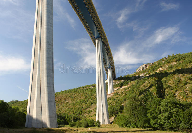 france millau viaduct arkivbild