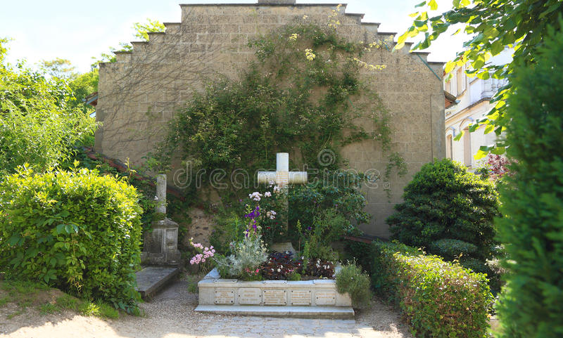 France, Normandy/Giverny: Family Grave of Claude Monet. The Monet family grave is behind the church Église Sainte-Radegonde of Giverny, Claude Monet's plate stock photos
