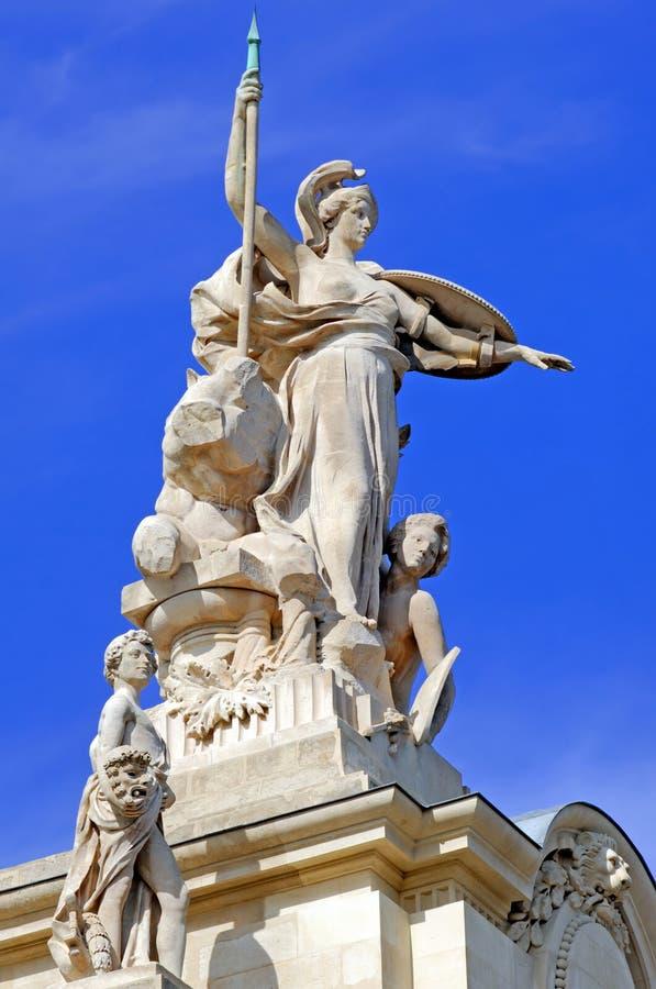France, Paris: estátua Palais grande foto de stock royalty free
