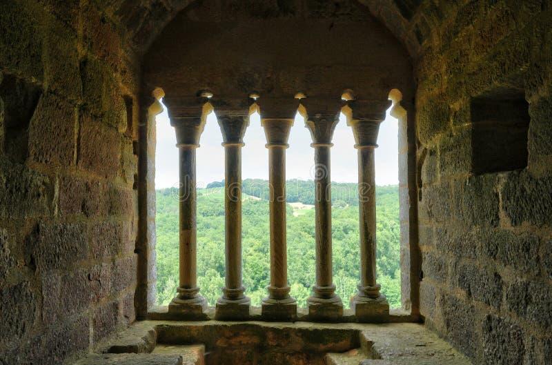 Frances, château pittoresque de Commarque dans Dordogne photographie stock libre de droits