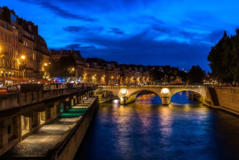 Frances de ville de Paris de bord de mer photos stock