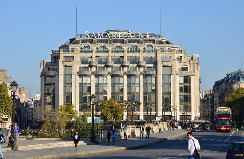 Frances, la La pittoresque Samaritaine de boutique à Paris photo stock