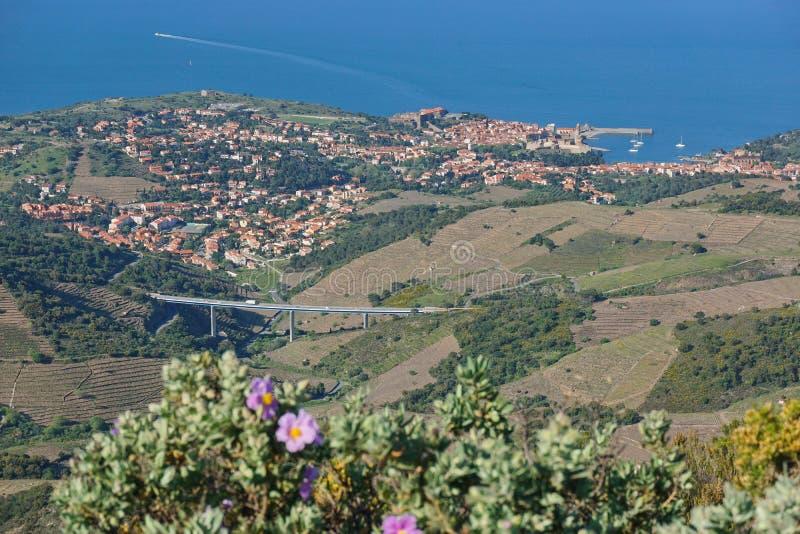 Frances méditerranéennes côtières de Collioure de paysage image libre de droits