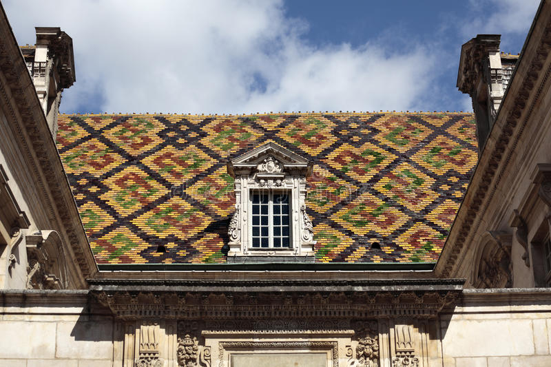 Frances traditionnelles de Dijon de tuiles de toit de Bourgogne image stock