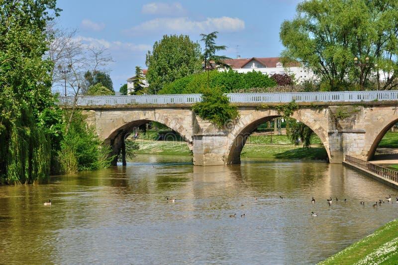 Frances vieux pont de poissy dans les yvelines image for Visite gratuite dans les yvelines