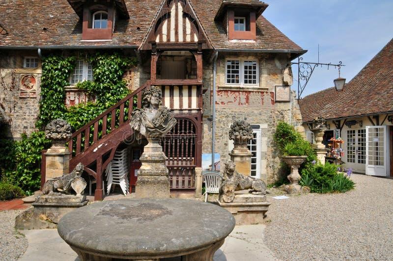 Frances, village pittoresque de sur Mer de piqués photos stock