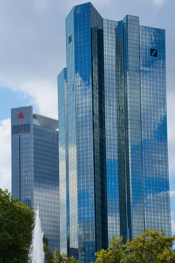 Francfort, torres gemelas de Deutsche Bank foto de archivo