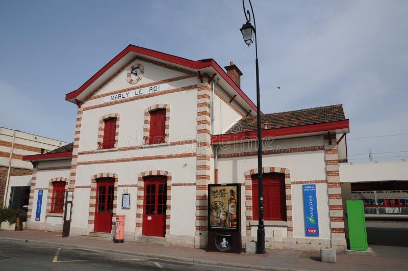 Francia, la ciudad pintoresca de Marly le Roi imagenes de archivo