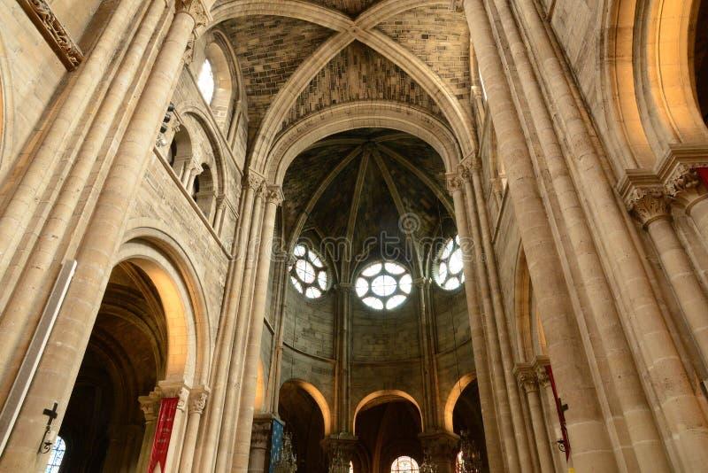 Download Francia, La Ciudad Pintoresca De Poissy Imagen de archivo - Imagen de herencia, antiguo: 44852253