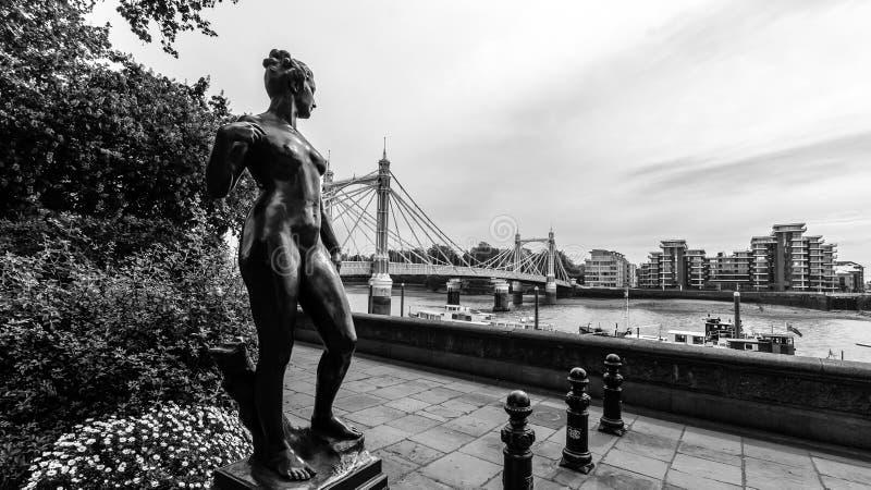 Francis Derwent Wood Sculpture em Chelsea Embankment foto de stock royalty free