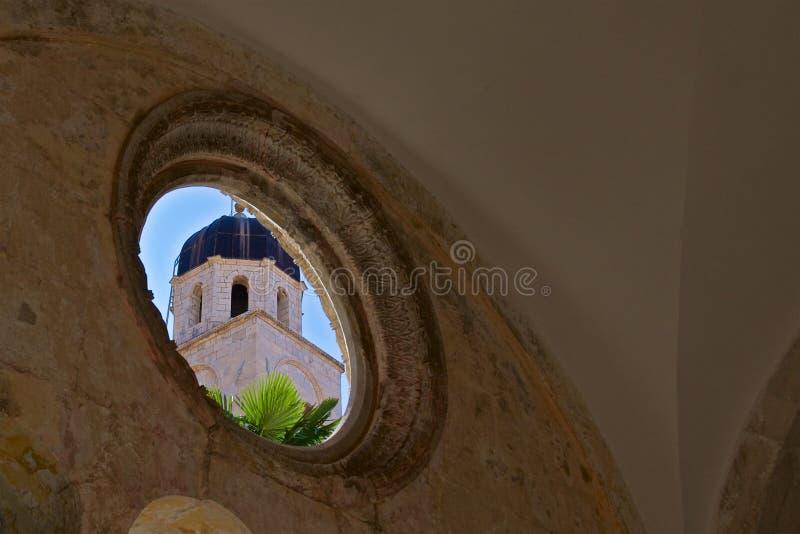 Franciscan kloster i den gamla staden Dubrovnik, Kroatien arkivfoton