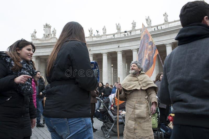 Franciscan mens zingt royalty-vrije stock afbeelding