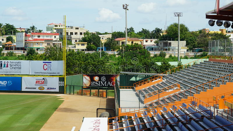 Download Francisco A Estadio De Micheli En El La Romana Imagen de archivo editorial - Imagen de balompié, capacidad: 64205189