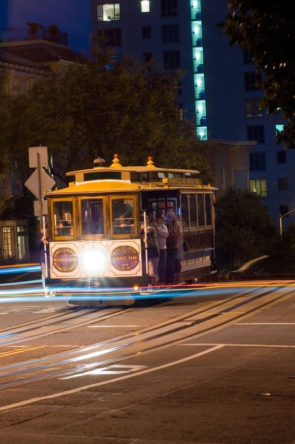 francisco för kabelbil natt san royaltyfri foto