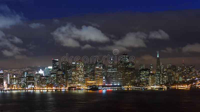 francisco night san skyline στοκ φωτογραφία με δικαίωμα ελεύθερης χρήσης