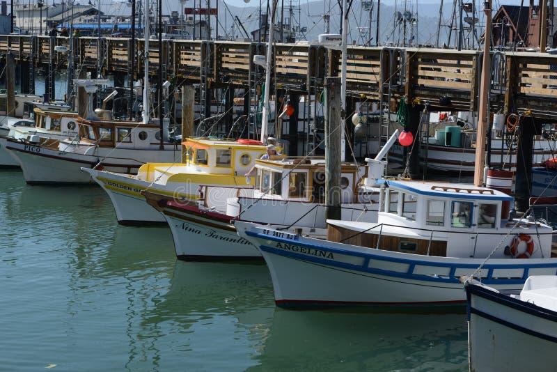 francisco san USA Fartyg och yachter i marina är värda royaltyfri foto