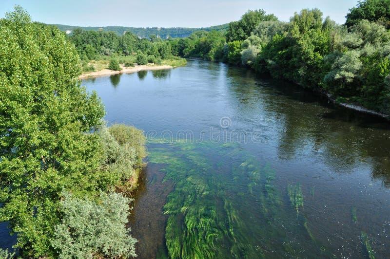 Francja, Dordogne rzeka w Cluges obrazy royalty free