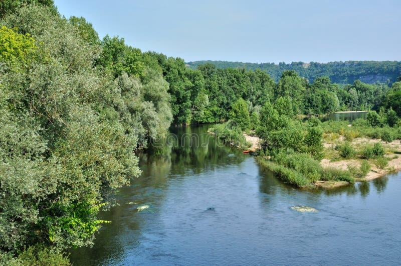 Francja, Dordogne rzeka w Cluges zdjęcie royalty free
