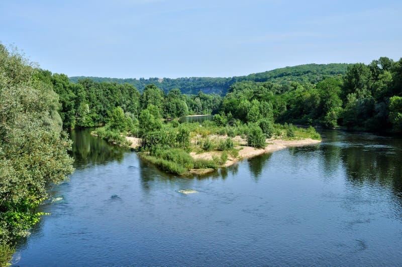 Francja, Dordogne rzeka w Cluges w Perigord zdjęcie royalty free