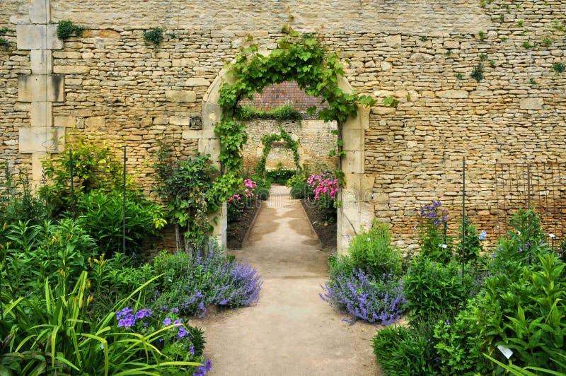 Francja, kanonu kasztelu ogród w Normandie fotografia royalty free