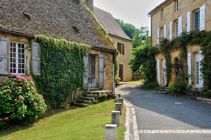 Francja, malownicza wioska Świątobliwi Genies w Dordogne fotografia stock