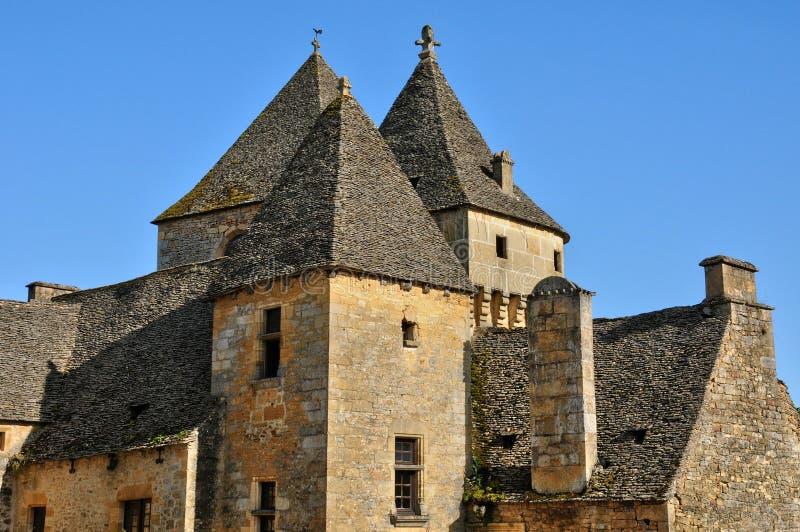 Francja, malowniczy kasztel Świątobliwi Genies w Dordogne zdjęcia royalty free