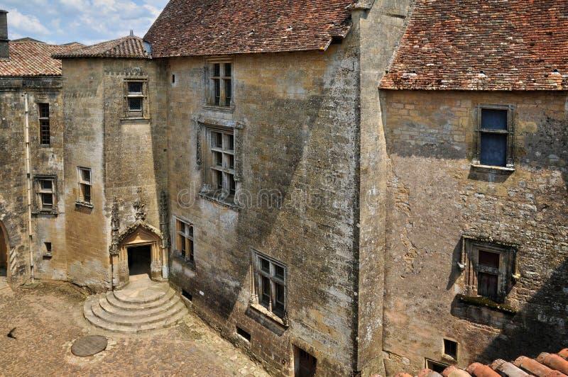 Francja, malowniczy kasztel Biron w Dordogne zdjęcie royalty free