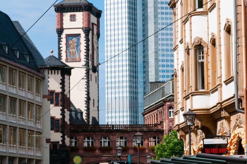 Francoforte arquitetura velha e moderna de Alemanha fotografia de stock