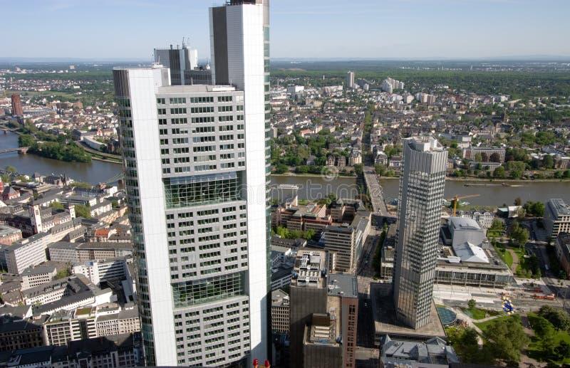 Francoforte e torre foto de stock royalty free
