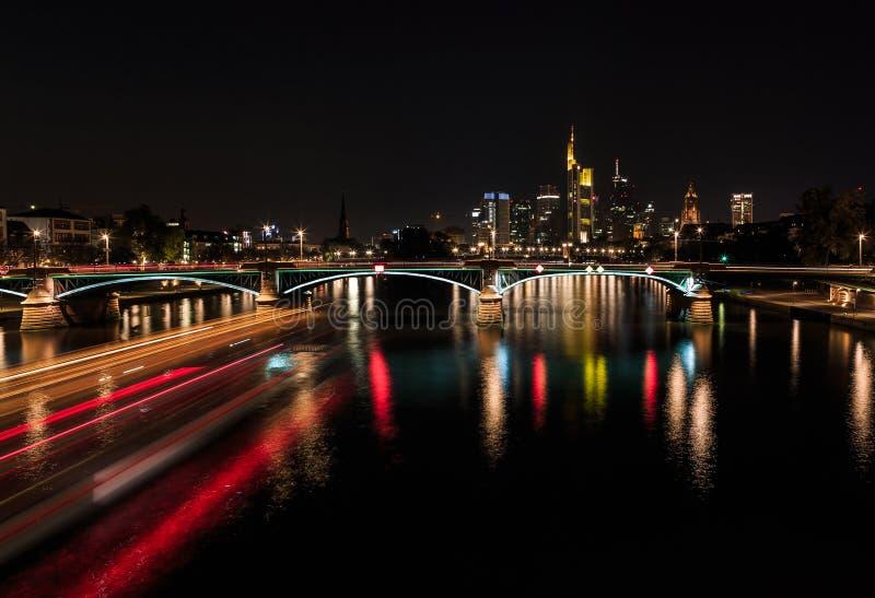 Francoforte sul Meno - orizzonte immagini stock
