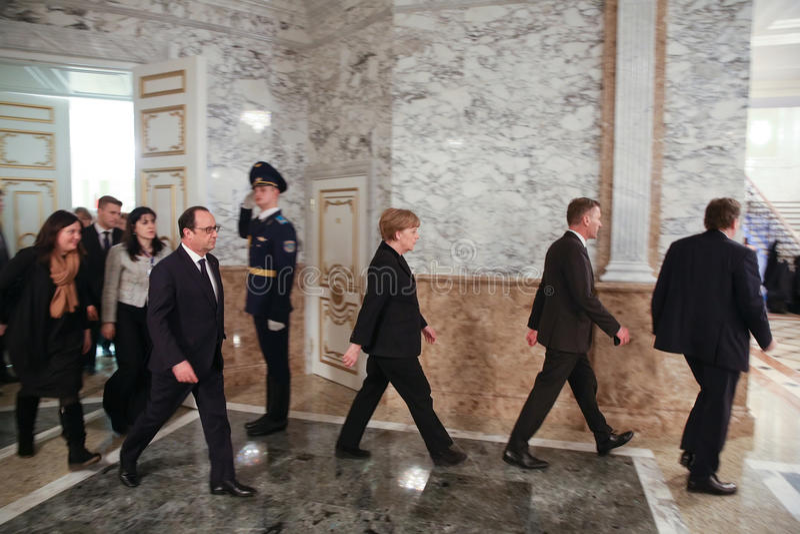 Francois Hollande und Angela Merkel stockbild
