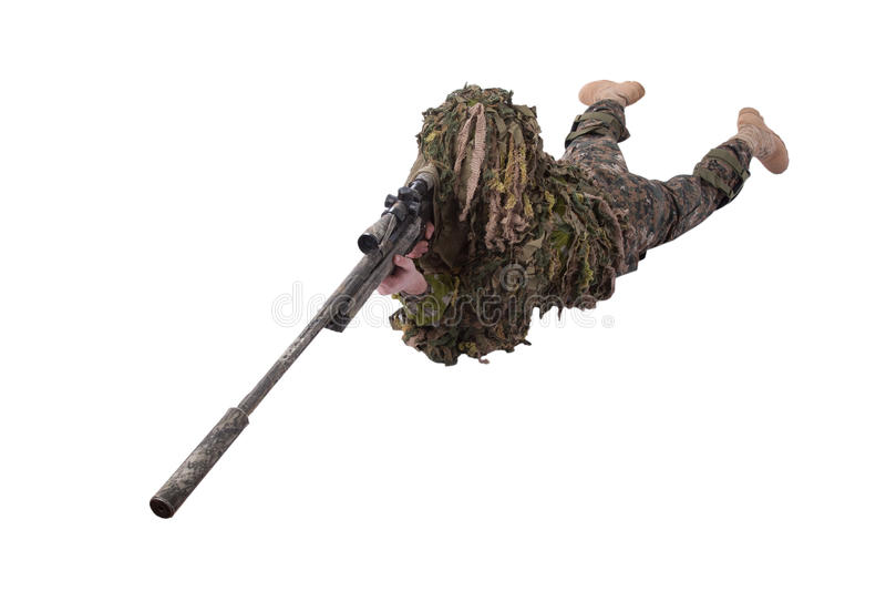 Francotirador camuflado en traje del ghillie imagen de archivo libre de regalías