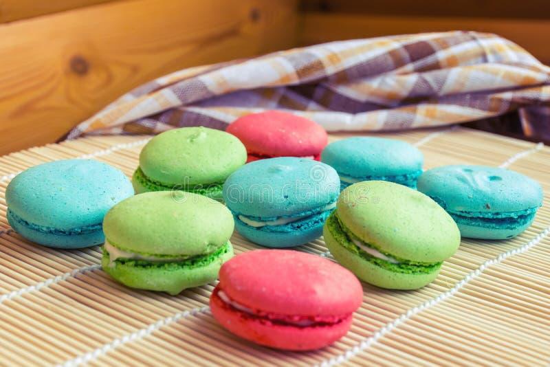 Francuscy słodcy delikatność macaroons, macarons lub zdjęcia royalty free
