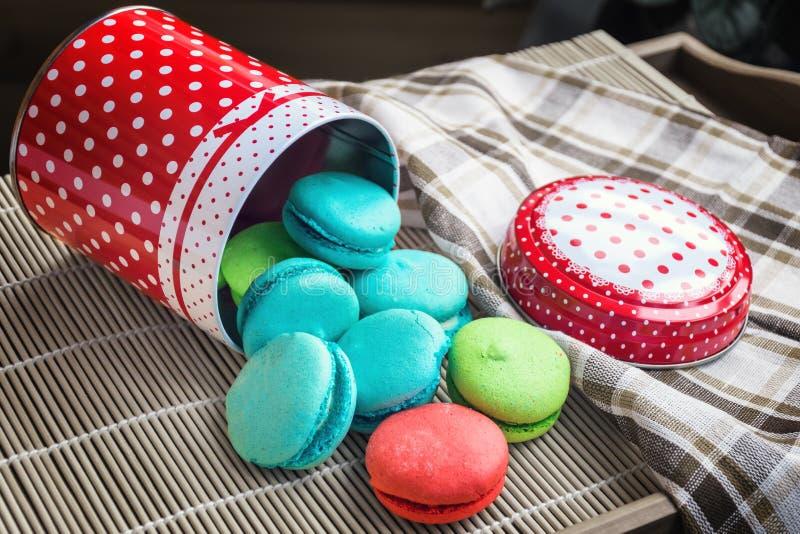 Francuscy słodcy delikatność macaroons, macarons lub obrazy royalty free